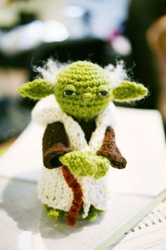 An adorable mini Yoda - no pattern, but relatively easy to design one?