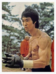 Bruce Lee/Enter The Dragon Bruce Lee Master, Bruce Lee Art, Bruce Lee Martial Arts, Bruce Lee Photos, Bruce Lee Body, Steven Seagal, Martial Arts Movies, Martial Artists, Wing Chun