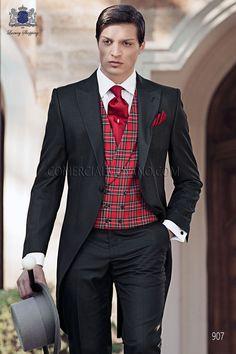 Chaque de novio italiano a medida en tejido new performance espiga negro modelo 907 Ottavio Nuccio Gala colección Gentleman 2015.