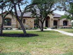 2775 sq ft, hill country style. Need fit in craft room and basement stairs.