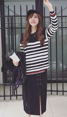 Fashiontroy Street style long sleeves crew neck white black striped cotton blend sweater