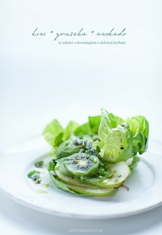 Salad with kiwi, pear and avocado