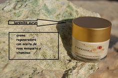 Una crema regeneradora para todos los días y recupera tu piel. Aurum regenerative de karemika.