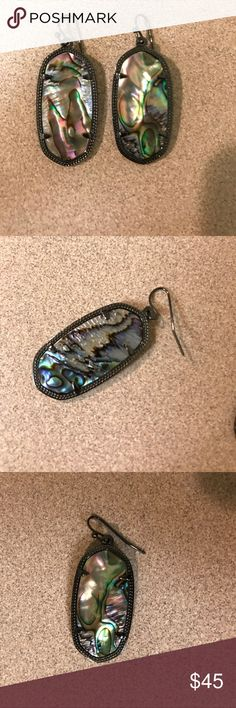 Kendra Scott Black Abalone Elle Earrings LIKE NEW Kendra Scott Black Abalone Elle Earrings LIKE NEW. All sales final. Perfect condition. Only worn once. Disliked size. Approximately 1.44 inches. All offers welcome! Kendra Scott Jewelry Earrings