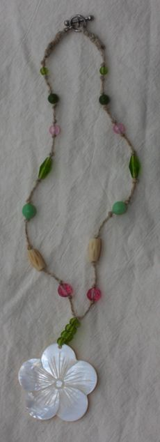 Easy knotted hemp necklace love it! must try! #ecrafty