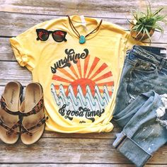 6291c7ec73fc Sunshine and Good Times Tee Bella Canvas, Denim Outfit, Hippie Chic, Short  Sleeve
