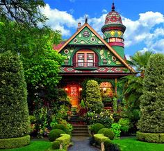 Creating Colorful Curb Appeal for a Fanciful Victorian Home - Old-House Online Victorian Gardens, Victorian Homes, Greys Anatomy Br, Beautiful Homes, Beautiful Places, Fairytale House, Fairytale Book, House Journal, Storybook Cottage
