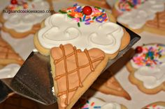 Easiest Sugar Cookies and Royal Icing - Hugs and Cookies XOXO