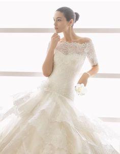 Siete pronte per iniziare a sognare con noi? Cosa ne pensate di quest'abito ROSA CLARÀ ? .... Visita il nostro sito ..alcune delle più belle proposte di abiti da sposa del 2017 sono già on line!!! E in Atelier Prendi il tuo appuntamento! Www.tosettisposa.it #abitiDaSposa2017 #TosettiSposa AlessandroTosetti #VestitiDaSposa #Sposarsi #MadeWithLove #WeddingDress