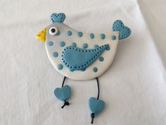Inspiration for rock painting. Ceramics Projects, Clay Projects, How To Make Ceramic, Diy Fabric Jewellery, Market Day Ideas, Clay Birds, Clay Ornaments, Clay Figures, Homemade Clay Recipe