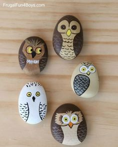 Get creative with these DIY painted rocks. From mandala rocks to easy painted rock crafts for kids, there are plenty of ideas for inspiration. Owl Crafts, Kids Crafts, Arts And Crafts, Summer Crafts, Canvas Crafts, Beach Rocks Crafts, Crafts For The Home, Fun Crafts For Girls, Fun Crafts To Do