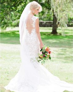 Happy #Friday!  #Kleinfeld bride in a @tonywardcouture wedding dress ✨Photo: @lefebvrephoto #kleinfeld  #Regram via @kleinfeldbridal