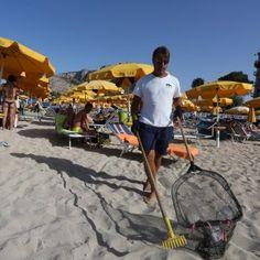 Offerte di lavoro Palermo  Bidoni per vetro e plastica in 26 punti diversi. Il raduno dei volontari  #annuncio #pagato #jobs #Italia #Sicilia Mondello operazione pulizia: parte la differenziata in spiaggia