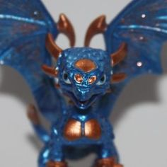 Bronze and blue Cynder