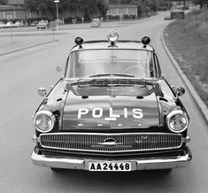 Old Police Cars, Old Cars, Swedish Police, Emergency Vehicles, Police Vehicles, Line Video, Police Uniforms, Cartoon Network Adventure Time, Law Enforcement