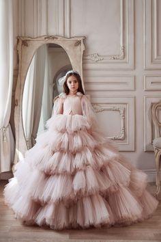 Dresses Kids Girl, Girls Party Dress, Birthday Dresses, Flower Girl Dresses, Flower Girls, First Communion Dresses, Tulle Dress, Tulle Bows, Tulle Lace