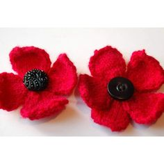FREE PATTERN Poppy Knitting Pattern these would be nice with a black button in middle too Knitted Poppy Free Pattern, Knitted Flower Pattern, Knitted Poppies, Crochet Poppy, Poppy Pattern, Knitted Flowers, Knit Or Crochet, Knitting Patterns Free, Free Knitting
