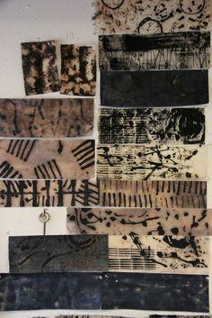 Mark making workshop with Dorothy Caldwell...http://visibleus.blogspot.fr/2011/08/human-marksdorothy-caldwell.html