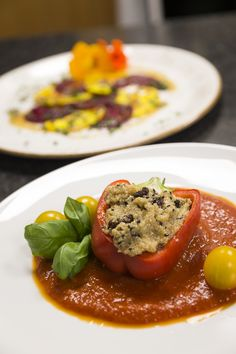 Find hotels & restaurants with organic, vegetarian / vegan or regional cuisine. Superfood, Farm Shop, Vegan Vegetarian, Risotto, Healthy Eating, Restaurant, Ethnic Recipes, Kitchens, Essen