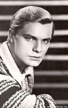 Oleg Vidov, 1943.  советский, российский и американский киноактёр и кинорежиссёр.