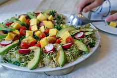 Avocado, Mango, The Fam, Lchf, Cobb Salad, Potato Salad, Food And Drink, Dinner, Ethnic Recipes