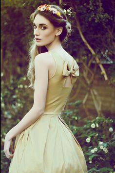 JUBILEE GOLD - Shimmery taffeta party dress with white tulle // back bow cutout // bridesmaid // champagne // pleated skirt // pockets by FleetCollection on Etsy