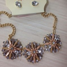 Beautiful necklace New necklace None Accessories