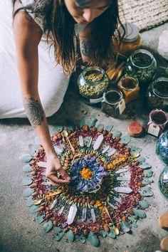 Herb and crystal grid Crystal Altar, Crystal Grid, Crystal Shop, Meditation Altar, Modern Witch, Witch Aesthetic, Flower Mandala, Medicinal Plants, Book Of Shadows