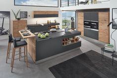 Entdecken Sie jetzt bei uns die Massivholz-Küchen von Decker bei Küchen Janz. Mit dem Küchenprogrammen entstehen Küchenträume aus Echtholz.