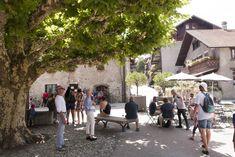 Yvoire: dorp met uitzicht over het meer van Genève ***** | Dorpen in Frankrijk Yvoire, Road Trip, Street View, Vans, Alps, Road Trips, Van