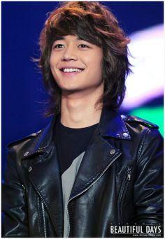 minho...  miss his long hair...