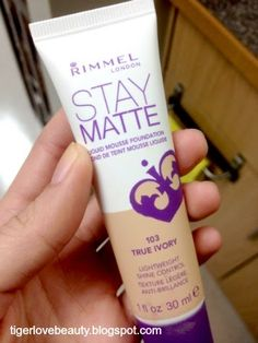 good to know: one person said it was best full coverage foundation for only 5 dollars All Things Beauty, Beauty Make Up, Hair Beauty, Rimmel, Beauty Secrets, Beauty Hacks, Beauty Tips, Mousse, Best Makeup Products