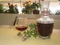 Κοινοποιήστε στο Facebook Η αρμπαρόριζα (Πελαργόρνιο το βαρύοσμο ή Pelargonium graveolens, όπως είναι η επιστημονική του ονομασία), γνωστό και με άλλες ονομασίες όπως Κιούλι στην Κύπρο, μοσχομολόχα (Χαλκιδική), αλμπαρόζα, αρμανέλα, αρμπακανέλα, μπαρμπαρούσα, ή λουκουμόχορτο, δείχνουν τη συχνή και ποικίλη χρήση...