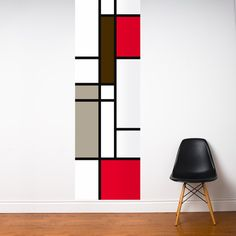 Covering entire walls with wallpaper is rather passé. Instead, the current trend is to apply only a single strip, or a piece of wall mural—such as this masterful reference to Mondrian in this case—to give your room a more dramatic or exciting feel. Diy Wall Art, Wall Decor, Room Decor, Geometric Wall Paint, Mondrian Art, Room Wall Painting, Interior Decorating, Interior Design, Diy Canvas
