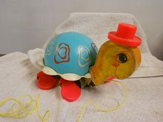 vintage Fisher Price turtle pullalong toy 1962 wood/plastic good condition. Looks like Jennifer's. 9na