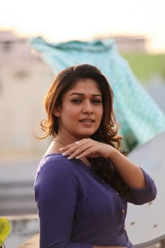 South Indian popular actress Nayanthara best picture and wallpaper gallery. Best hd image of actress Nayanthara. South Indian Actress Photo, Indian Actress Gallery, Indian Actress Photos, Bollywood Actress Hot Photos, Indian Actresses, Beautiful Girl In India, Beautiful Girl Image, Most Beautiful Indian Actress, Beautiful Women