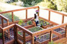 7 Peaceful Clever Ideas: Backyard Garden Beds Dry Creek backyard garden design to get.Backyard Garden Fence How To Make beautiful backyard garden design. Making Raised Garden Beds, Building A Raised Garden, Raised Beds, Raised Garden Bed Design, Diy Fence, Fence Ideas, Pallet Fence, Fence Art, Bed Ideas