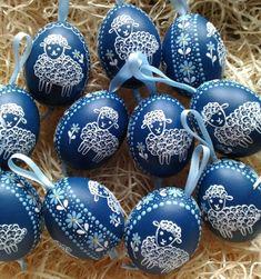 Velikonoční beránek v pomněnkách / Zboží prodejce ZS-relief Fun Crafts, Diy And Crafts, Quilling Art, Spring Cleaning, Easter Eggs, Holidays, Elves, Easter, Pointillism