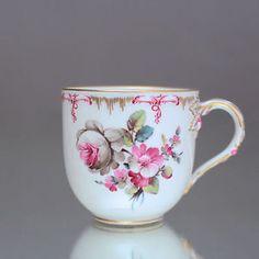 KPM-Berlin-Mokkatasse-Neuglatt-Dekor-63-Tasse-Espressotasse-Rosa-pink-cup