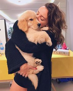 Cute Dog Pictures, Dog Photos, Dog Tumblr, Golden Puppy, Girl And Dog, Pet Life, Cute Funny Animals, Cute Love, Dog Mom
