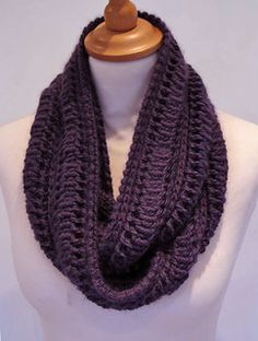 Edie Infinity Scarf Jeannette Sloan Uses slip stitch/drop for cowl interesting. #knit