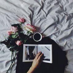Hello Lovely People,  Hello Instagram-World, heute haben wir ein einzigartiges und spannendes Instagram Projekt für euch! ❤ & ✌  13 talentierte und superkreative Instagramer erstellen gemeinsam den 'Clixxie Guide to Awesome Pictures' für euch. Den Anfang macht die bezaubernde @Beautelicieuse. ❤