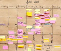 Craft paper calendar. Love this idea.