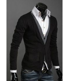 This V-Collar single breasted cardigan.