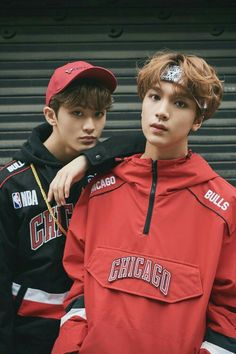NCT 127 and Kim Chung Ha are currently the endorsement models for 'Dazed' magazine. The idols came together to model the season's upcoming styles. Mark Lee, Jaehyun, Winwin, K Pop, Nct 127 Mark, Kdrama, Johnny Seo, Idole, Entertainment