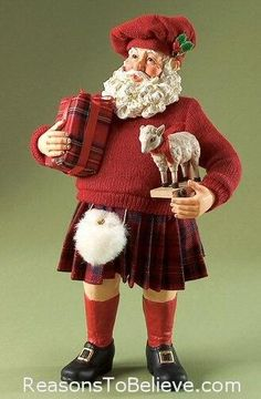 Highland Holiday - Clothtique Collectible Santa figurine by Possible Dreams. A very dapper Scottish, Celtic, Santa dressed mostly in red with a kilt, a plaid-wrapped present, balmoral hat and even a white sporran(Scottish Gaelic for purse). French Christmas Tree, Tartan Christmas, Vintage Christmas, Christmas Ideas, Celtic Christmas, Xmas, Christmas Art, Christmas In Scotland, Santa Dress