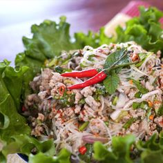 Larb woon sen is Thai pork glass noodle salad that's fresh, zesty, and a little spicy. Make it ahead of time for a pucker-your-lips kind of lunch, or in minutes as a quick and easy meal. quick and easy meals Asian Recipes, Healthy Recipes, Ethnic Recipes, Larb Recipe, Cambodian Food, Laos Food, Asian Cooking, Soup And Salad, Pasta