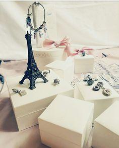 Pandora charms Paris