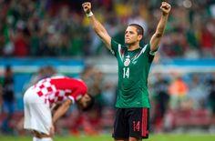 Meksika Milli Takımı Teknik Direktörü Miguel Herrera, öğrencisi Javier 'Chicharito' Hernandez'in Manchester United'dan Real Madrid'e transfer oluşunu Twitter hesabından kutladı.
