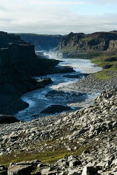 Vatnajökull National Park in Northeast Iceland. Game of Thrones: Where filming for beyond the wall/wildlings takes place Places Around The World, Around The Worlds, Iceland Travel, Most Beautiful Cities, Filming Locations, Natural Wonders, Nature Pictures, The Great Outdoors, Wonders Of The World